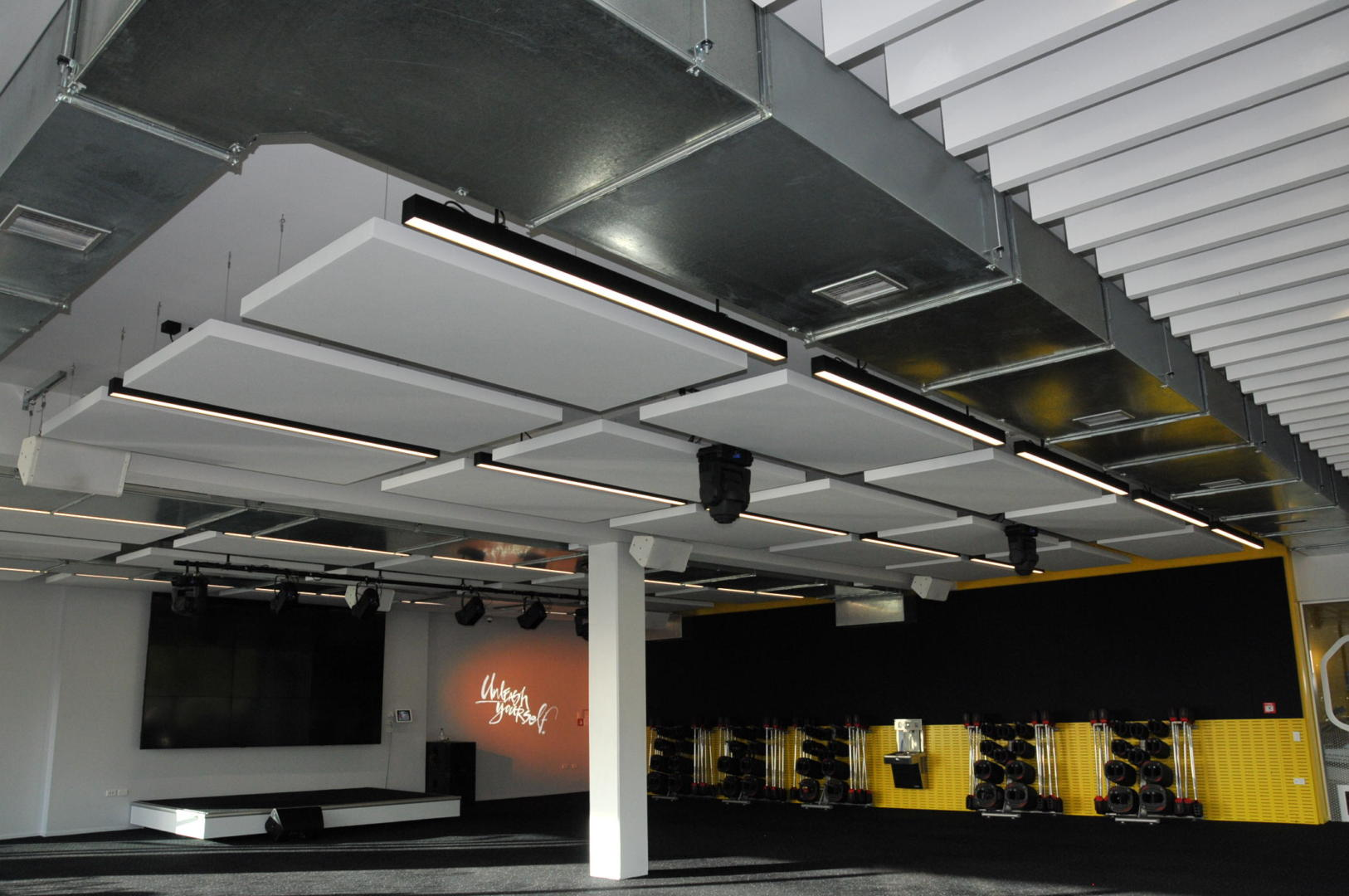 EcoPlus Systems – acoustic cloud system for Les Mills